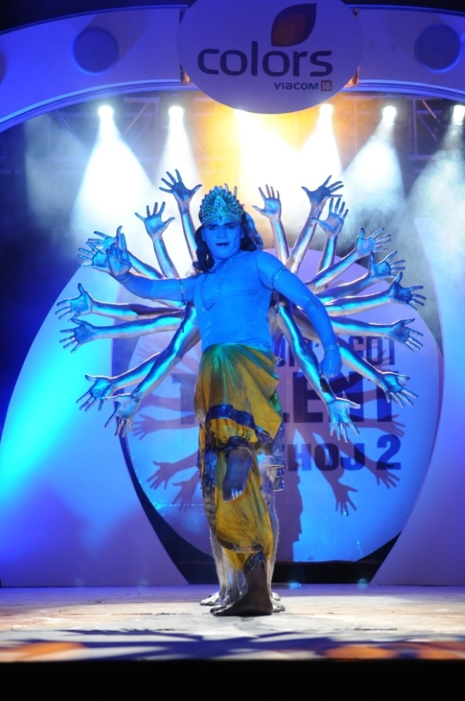 Prince Group winners of India s Got Talent 1 performing at the launch of season 2 (5)