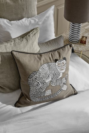 Cozy living 12833 Lifestyle Fable Tiger